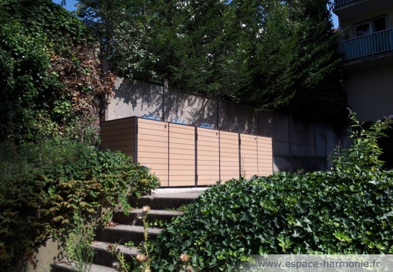 abris individuel pour conteneurs trinet. Black Bedroom Furniture Sets. Home Design Ideas