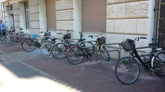 Arceau vélos aménagement de mobilier urbain