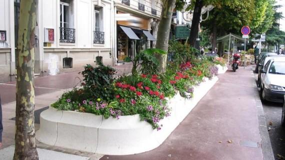 massif fleurs mobilier urbain