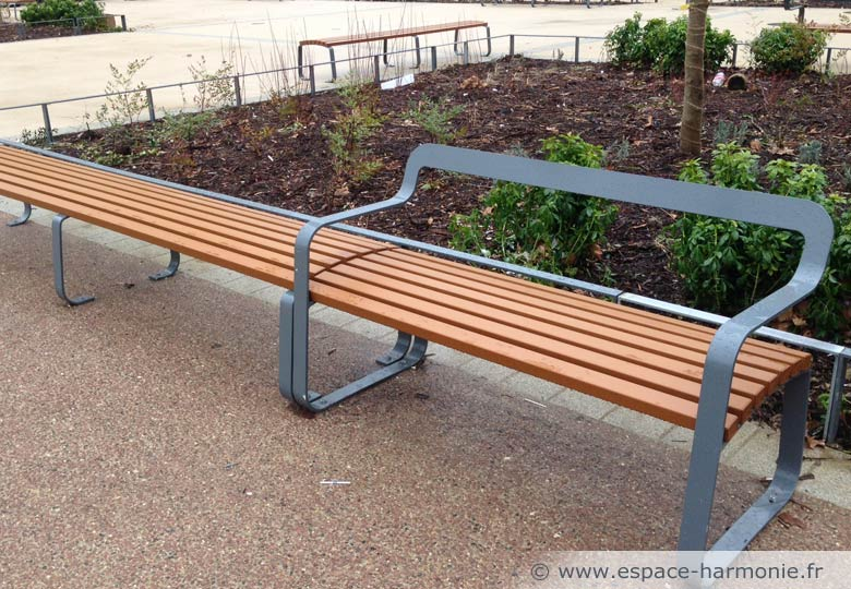 banc public avec dossier mobilier urbain pour les espaces urbains