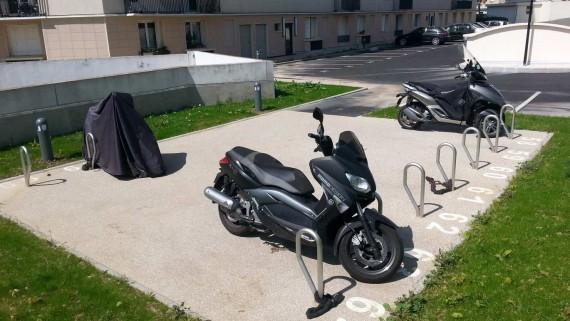 Arceau motos stationnement deux roues
